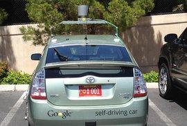 Samojezdící auto od Googlu má už svou značku