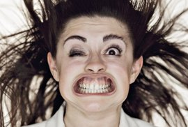 """Fotografický """"Blow Job"""". Litevský fotograf dělá snímky zdeformovaných obličejů"""