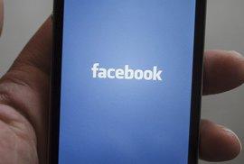 Facebook si už za rok přiložíme k uchu. Chystá prý vlastní smartphone