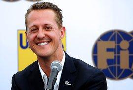Legenda formule 1 Michael Schumacher se v Praze usmíval na všechny strany