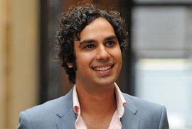 Raj Koothrappali z Teorie velkého třesku: Jediná věda je vydělat prachy