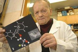 Zemřel nejvýznamnější český vědec Antonín Holý. V pátek dostal poslední vyznamenání