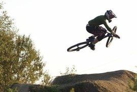 Na kole nemám ráda okolní hrobové ticho, říká extrémní cyklistka Katarina Tothová