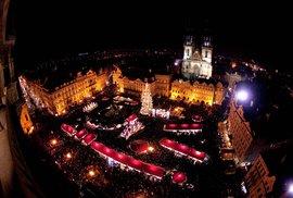 Pražský vánoční strom má letos šlechtický původ. Podívejte se na jeho předchůdce