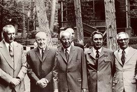 Normalizace se povedla. Husák vedle Brežněva na setkání komunistických vůdců na Krymu v roce 1973. Už nikdy na tom komunisté nebudou lépe.