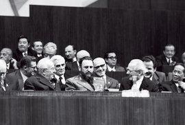 S kubánským vůdcem Castrem v roce 1977