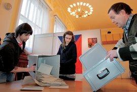 Prezidenta hoďte do urny! Zápisky reportéra Reflexu Petra Koláře z volební komise