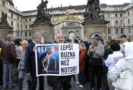 Vzkaz pro Miloše Zemana: Lepší buzna než notor!