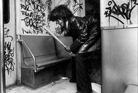 V současnosti je metro v New Yorku k poměrně bezpečným a klidným místům. Ovšem v 80. letech naopak patřilo k nejnebezpečnějším místům na celém světě, ovládala ho kriminalita a drogy.
