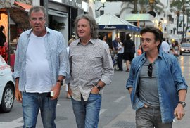 Slavná partička z Top Gearu: Zleva - Jeremy Clarkson, James May a Richard Hammond