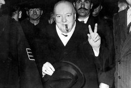 Ředitel muzea náhodou objevil nepublikovanou esej Winstona Churchilla. Britský premiér uvažoval o životě v jiných galaxiích
