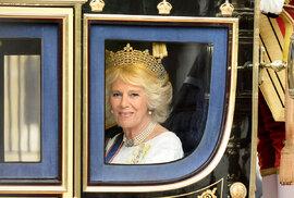 Jen 16 procent Britů si přeje, aby Charlesova druhá manželka Camilla dostala titul královny
