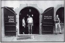 Pražské hospody 70. a 80. let objektivem legendárního bohéma
