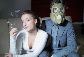 Hadice ze zdi i divadelní role kuřáků. Jak ve světě obcházejí zákaz kouření