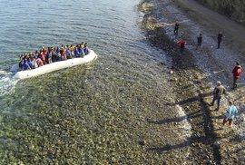 """Přes řecké ostrovy přišli do Evropy skoro všichni """"letošní"""" běženci."""