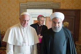 Papež se otevírá v nejrůznějších rovinách. Návštěva íránského prezidenta.