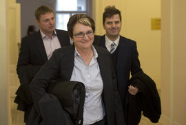 Salačová opět u soudu. Přičte se jí k losovačkám podmínka z Rathovy kauzy?