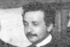 Albert Einstein v roce 1911. Čtyři roky před publikováním obecné teorie relativity.