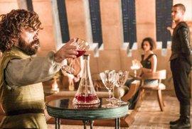 Peter Dinklage jako Tyrion Lannister v seriálu Hra o trůny.