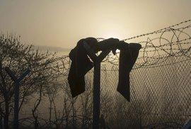 Uprchlíci na řecko-makedonské hranici: Vystavili tam kvůli nim ploty