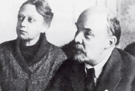 Vladimír Iljič Lenin s manželkou Naděždou Krupskou.