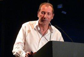 David Lloyd,autor masky, která se prvně objevila v komiksu V jako Vendeta