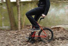 Pro hipstery, které omrzel bicykl, ale jednokolku nezvládají: polokolo