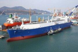 Tankery přivážejí do Evropy první americký plyn. Spustí Gazprom cenovou válku?