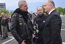 Michal Hašek a motorkáři.