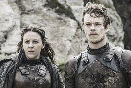 """Trůny VI posedmé: Theon Greyjoy """"přijal svou smraďošskou složku"""" a očekává hřejivé,…"""