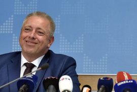 Ministr Chovanec podepsal policejní reformu navzdory Babišovi. Jak zareaguje šéf ANO?