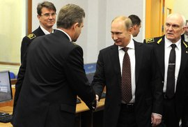 Rusové nebudou kupovat boty, Putin je najednou hodnější a šéf jeho kampaně má rekordní …