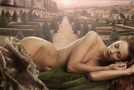 Akty, které pohádkově a nadpřirozeně zobrazují ženskou krásu a nevinnost