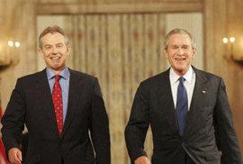 Blair a Bush jsou kamarádi do deště.