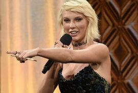 Forbes: Zpěvačka Swiftová je nejlépe placenou celebritou roku, fotbalista Ronaldo je…
