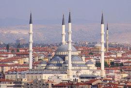 Lidský účet pokusu o puč v Turecku: 104 mrtvých, zraněných přes 1500 osob