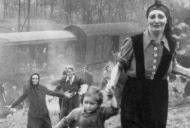 1945 - Židovští vězni osvobozeni z transportu smrti