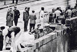 Před 55 lety berlínská zeď rozdělila velkoměsto, Německo a Evropu