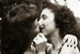 Zamilované lesbičky na fotografiích z dob, kdy byly označovány za nemocné