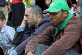 Není pravda, že migrační tsunami polevilo: O azyl loni požádalo v zemích EU 1,2 milionu lidí