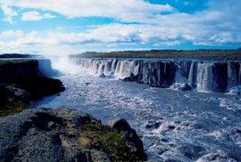 Selfoss tvoří velmi důstojný předstupeň vodopádu Dettifoss.
