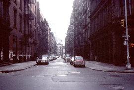 Dnes zde najdete luxusní apartmány. V 70. letech tu ale nikdo bydlet nechtěl. Budovy byly po většinu času naprosto opuštěné