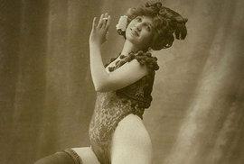 Krásky z různých koutů světa na sto let starých pohlednicích