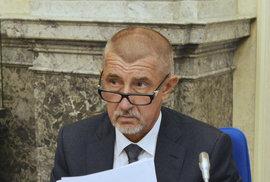 Andrej Babiš je neúnavný daňový čaroděj. Opije voliče levnějším pivem?