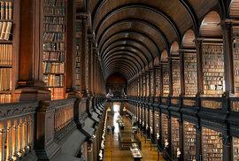 Až budete příště v Dublinu, zkuste místo barů navštívit místní univerzitu. Určitě nebudete litovat.