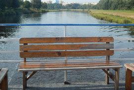 Budějovice příliš hezké pohledy z vody nenabízejí.