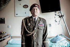 Chtěli jsme být něco platní, řekl v rozhovoru vyznamenaný parašutista Jaroslav Klemeš