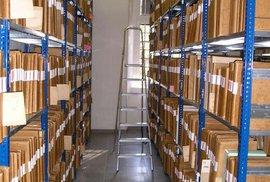 Nemocniční archivy praskají ve švech, řešení si vyžádá miliony korun