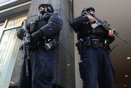 V New Yorku to vypadá jako za války: Hillary Clintonovou i Donalda Trumpa chrání malá …