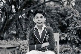 Neznámé fotky ze života Freddieho Mercuryho: V mládí v Indii